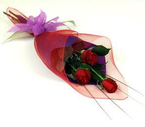 Bouquet-X-3-rosas.-No-incluye-domicilio-35.000