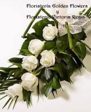 Bouquet en rosas y tejido de hojas. 60.000 80.000 100.000 300x366 Tienda