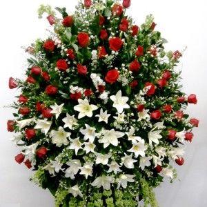 Pedestal Rosas Rojas y Azucenas 300x300 Tienda