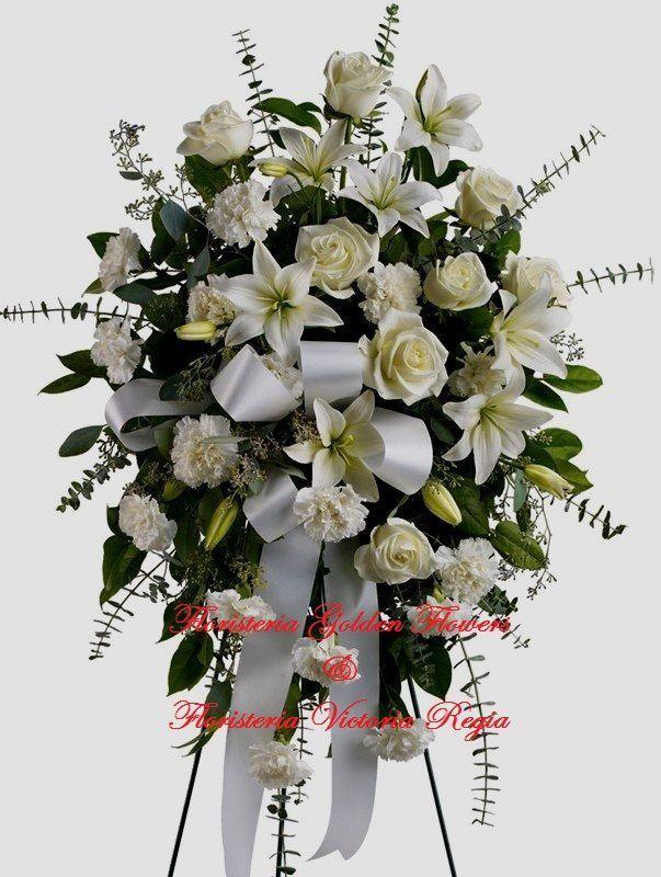 Pedestal en rosas, lirios y claveles con moño $ 100.000 $ 120.000 $ 150.000