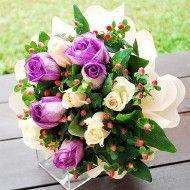 Rosas blancas y lilas con hipericum 65.000 85.000 105.0001 190x190 Tienda