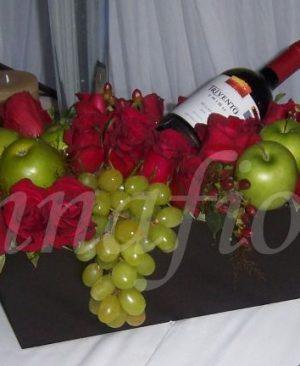 rosas vino y frutas 145.000 175.000 195.000 300x366 Tienda