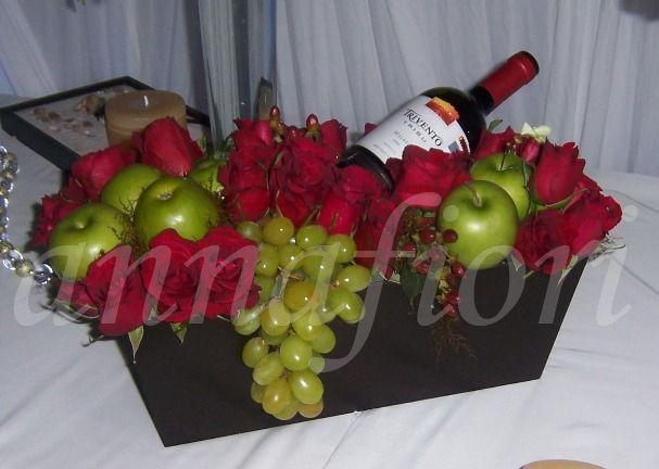 rosas-vino-y-frutas-145.000-175.000-195.000