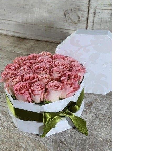 Caja en rosas CF 23